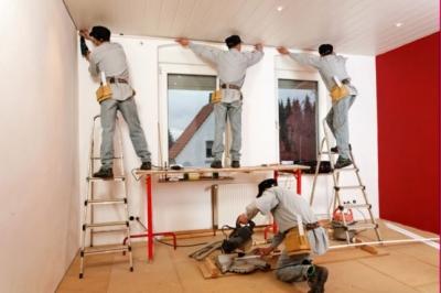Бригада мастеров сделает ремонт комнаты в Москве